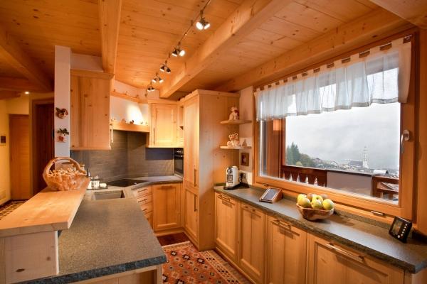 cucina legno abete chiaro personalizzato