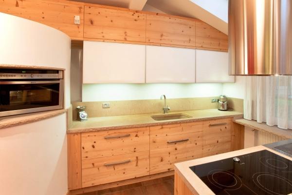 cucina legno vecchio design moderno