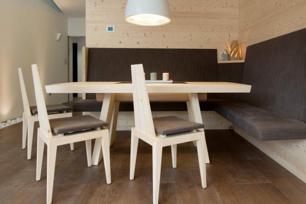 sedie minimal legno chiaro