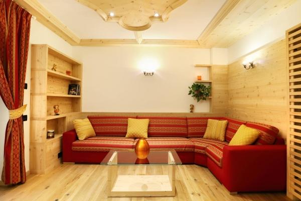 soggiorno agriturismo legno cirmolo segato