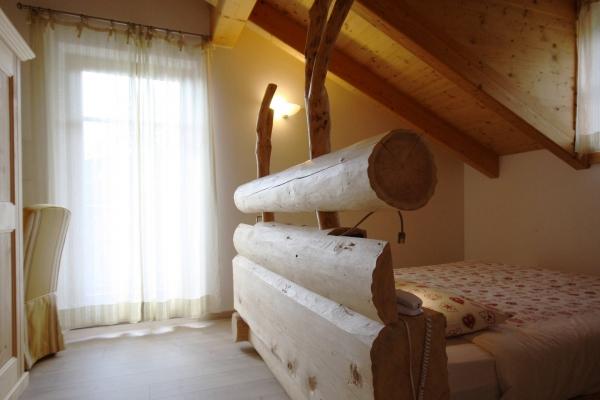 testata letto hotel legno naturale fatto a mano